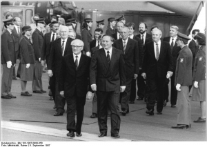 Photo: Honecker in Saarbrücken 1987 (c) Bundesarchiv Bild 183-1987-0909-050 Rainer Mitterlstädt CC-BY-SA 3.0